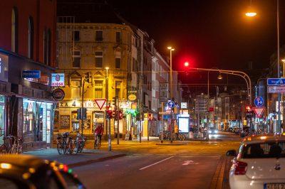 Köln - Ehrenfeld zieht mit und hält sich an die Empfehlung Nachtleben ruht am Samstag